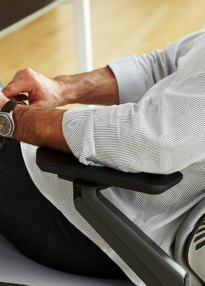 Wygodny fotel biurowy, czyli zdrowie i komfort zamknięte w jednym meblu