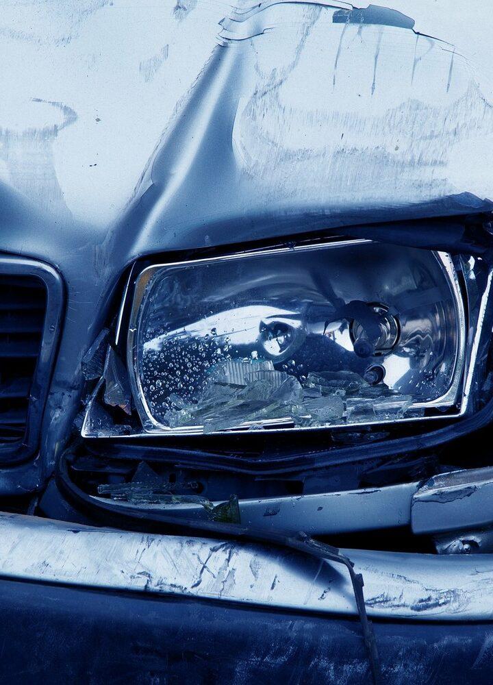 Jakich zasad warto się trzymać, aby kupić dobre ubezpieczenie samochodu przez internet?