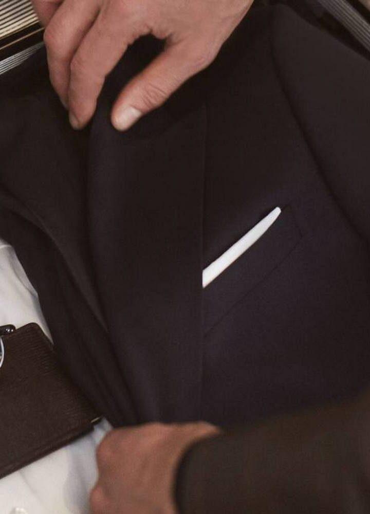 Kilka słów o tym, jak dobrać koszulę do garnituru