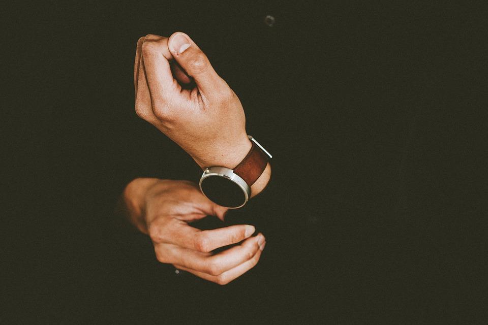 jak wybrać zegarek do garnituru