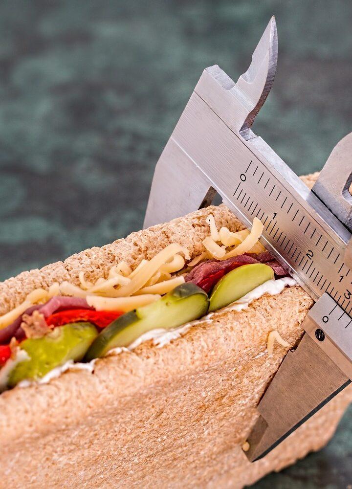 """Kiedy waga mówi """"stop"""" – co poradzić na oporny tłuszcz?"""
