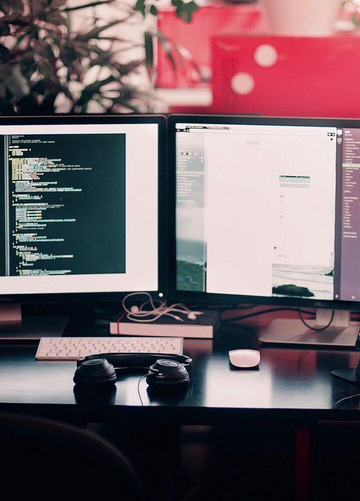Software czy hardware – z czego wynikają zwykle usterki komputerów?