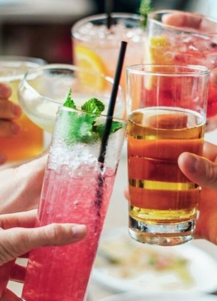 Drinki w męskim wydaniu – zabłyśnij w towarzystwie