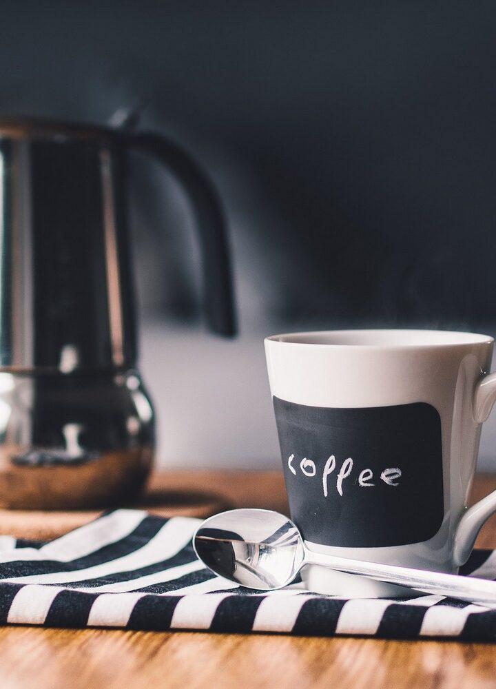 Czy mały ekspres do kawy poradzi sobie z Twoimi wymaganiami?
