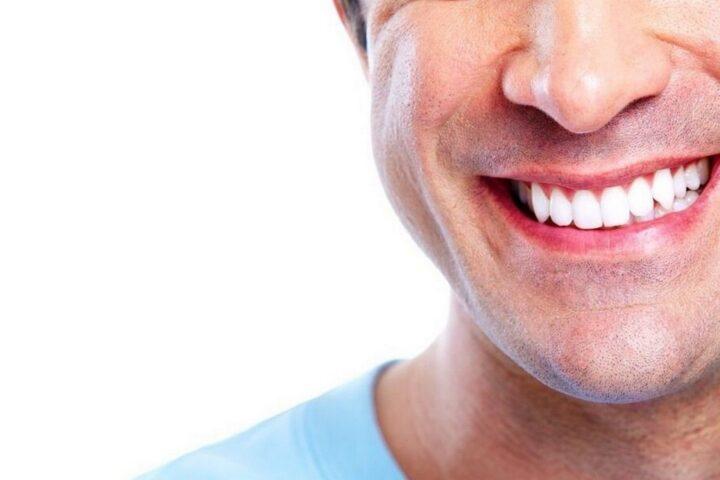 Hollywoodzki uśmiech, czyli jak dbać o zęby