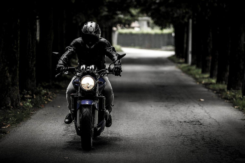 Jesteś aktywnym motocyklistą? Trilobite to Twój strój - MrGentleman.pl