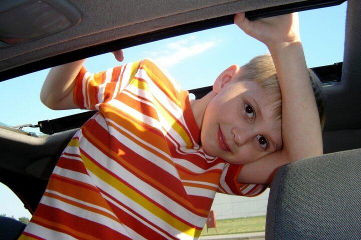 Fotelik samochodowy – kilka słów o przepisach i bezpieczeństwie