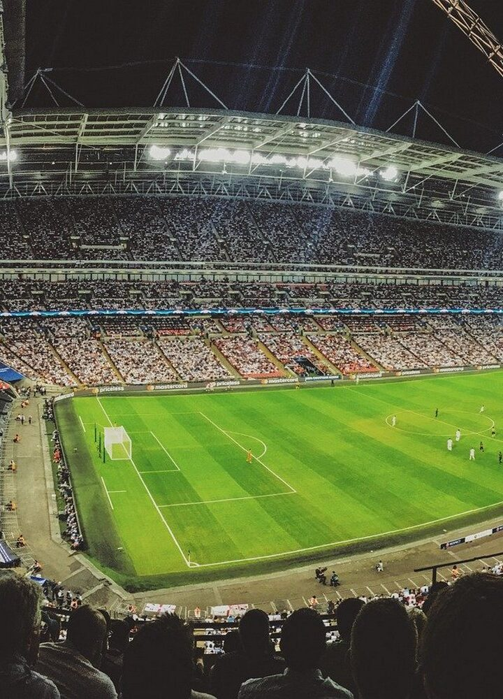 Piłka nożna – dlaczego ją uwielbiamy?