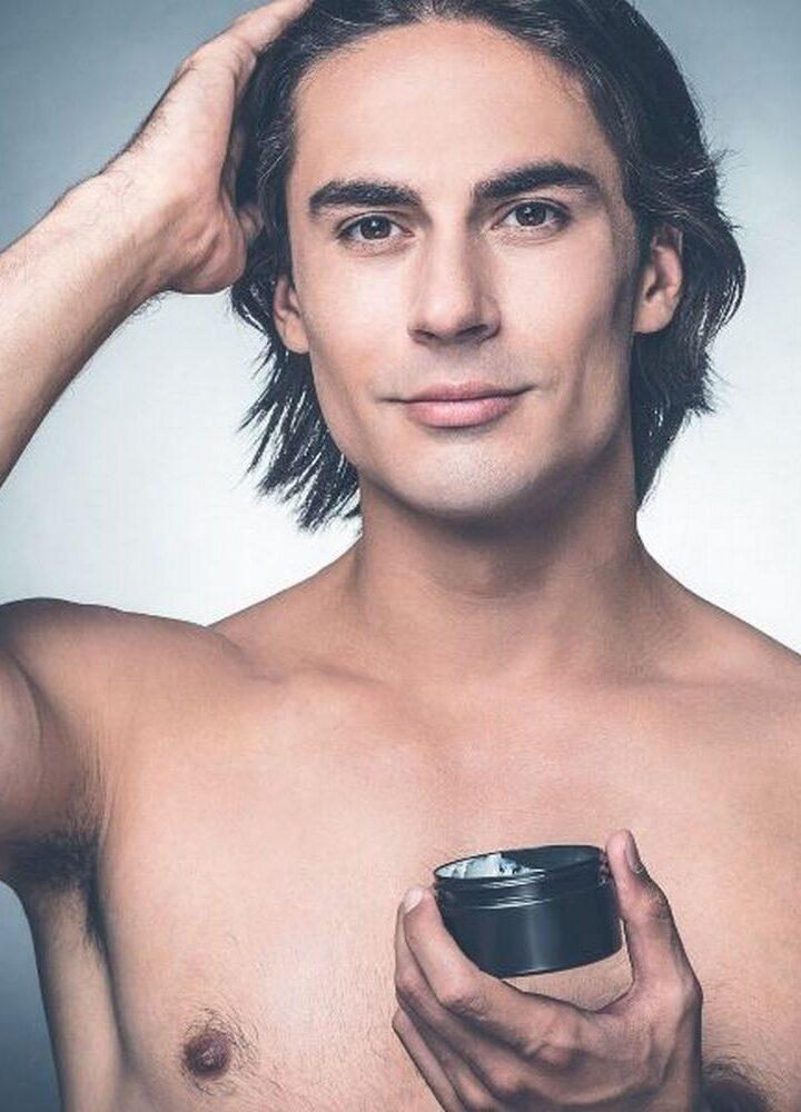 Czym utrwalać męską fryzurę? Przegląd dostępnych produktów