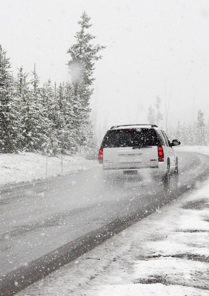 Zadbaj o swój samochód zimą