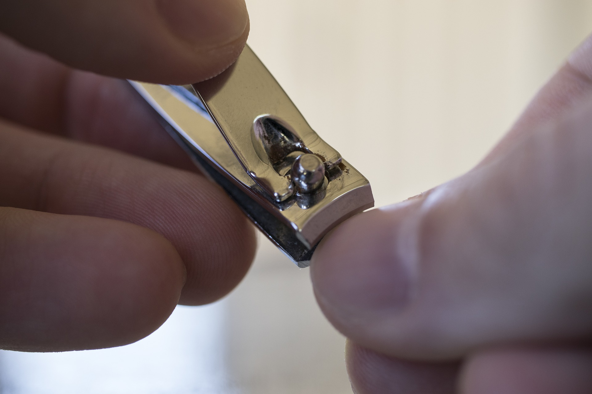męskie paznokcie