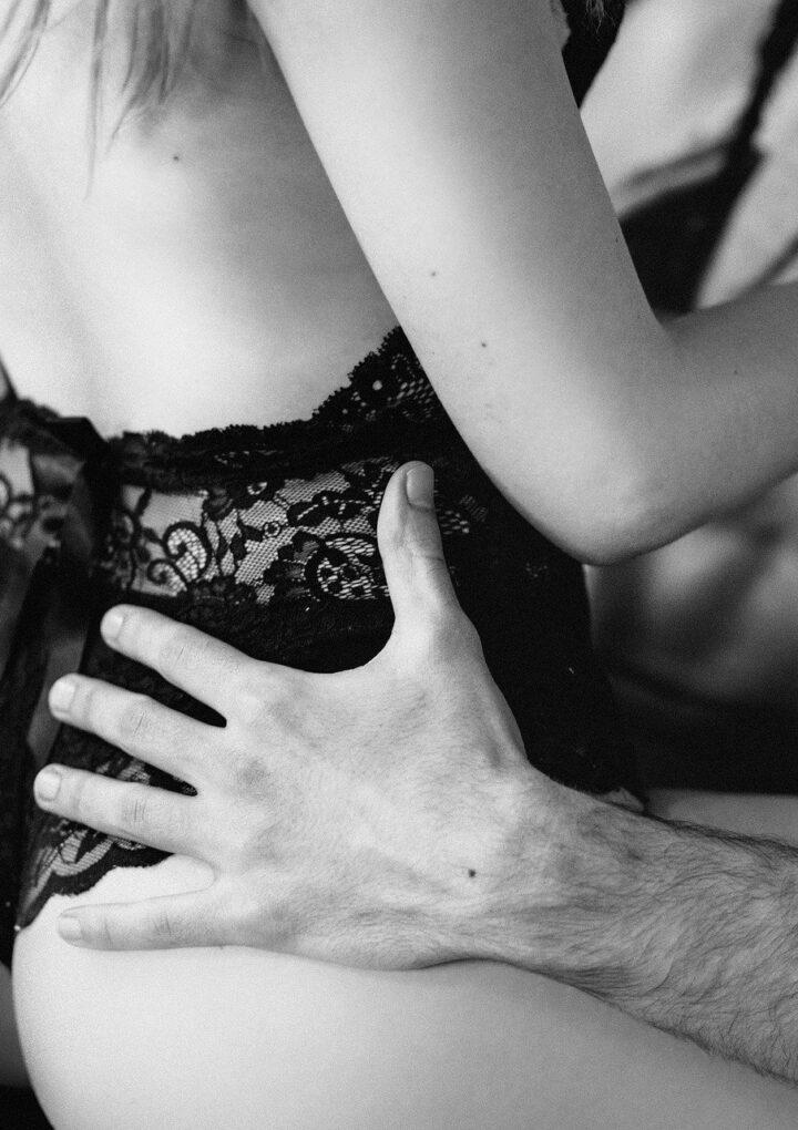 """""""Jesteś najbezpieczniejszym partnerem seksualnym"""" – kilka słów o seksie w maseczkach w czasach Covid-19"""