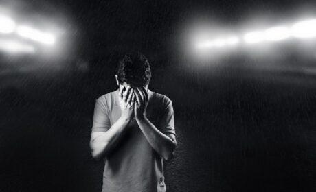 5 cech chronicznie nieszczęśliwego mężczyzny