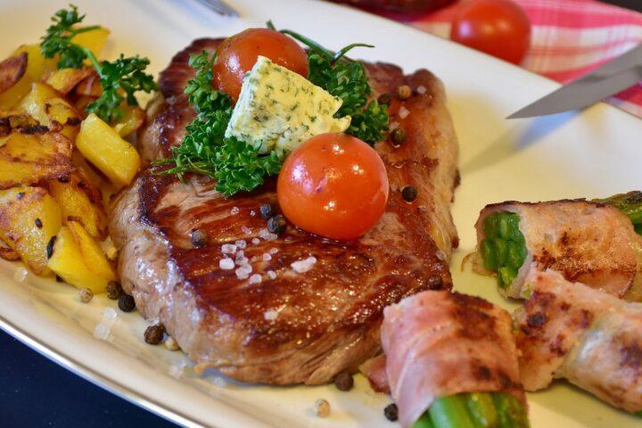 Jak usmażyć idealny stek wołowy?