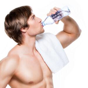ile wody dziennie powinien pić mężczyna