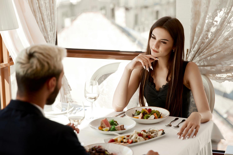 6 tekstów, których nie powinieneś używać na pierwszej randce - MrGentleman.pl