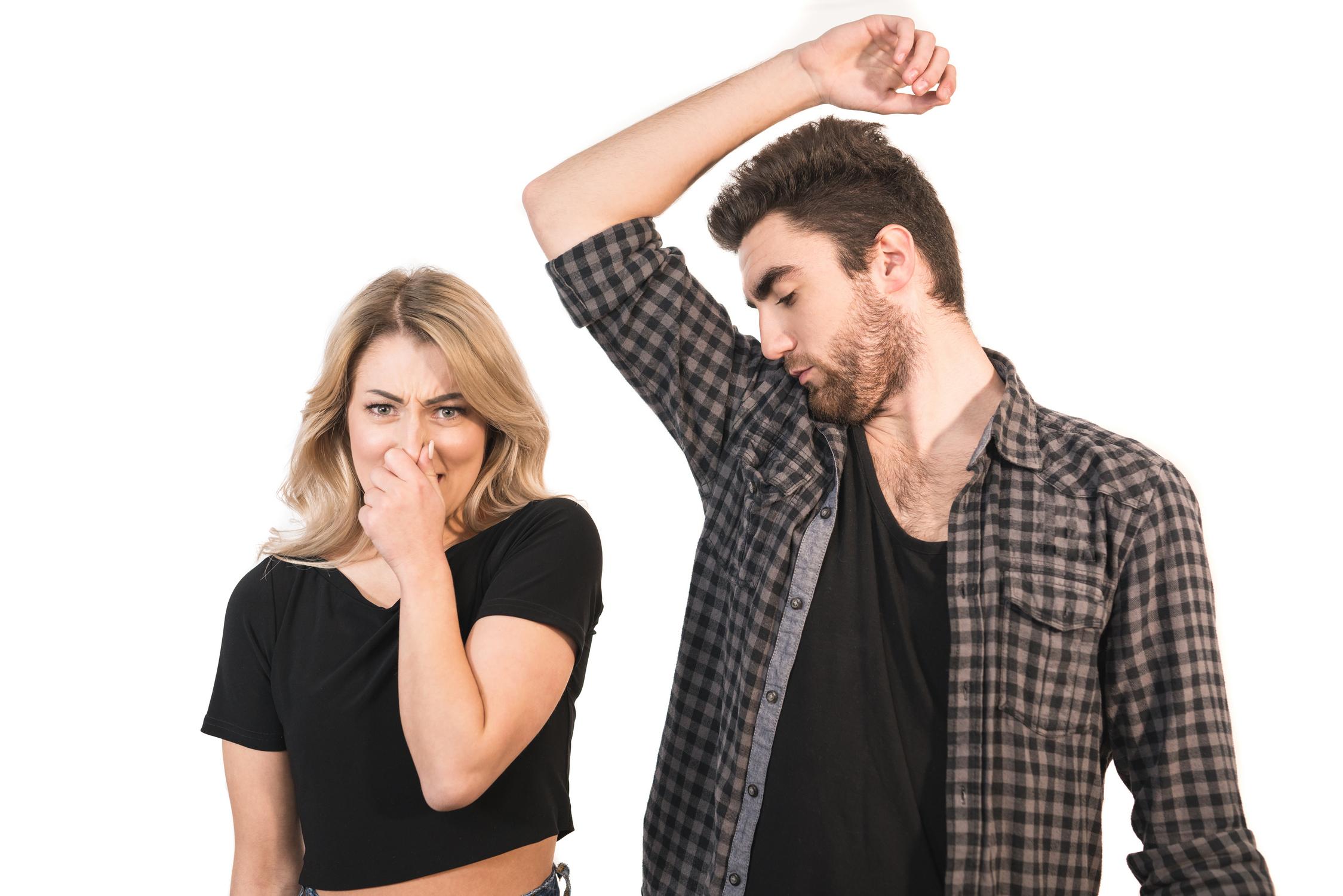 Dezodorant czy antyperspirant: jaka jest różnica i który z nich wybrać? - MrGentleman.pl