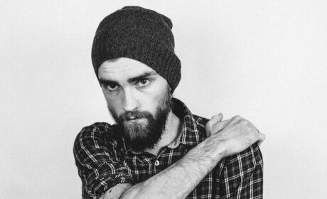 Jak szybko zapuścić gęstą i długą brodę? 10 praktycznych rad